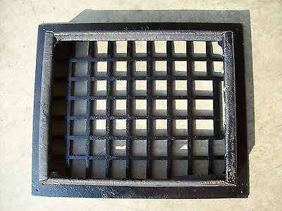 Simple squares heating grate no fins (G 460)