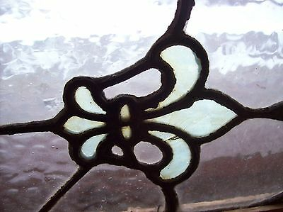 Interesting vibrant fleur de lis window stained glass  (Sg 1531) 7