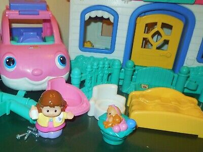 Fisher Price Little People Sweet Sound Dollhouse Cradle Family House Home Lot 2