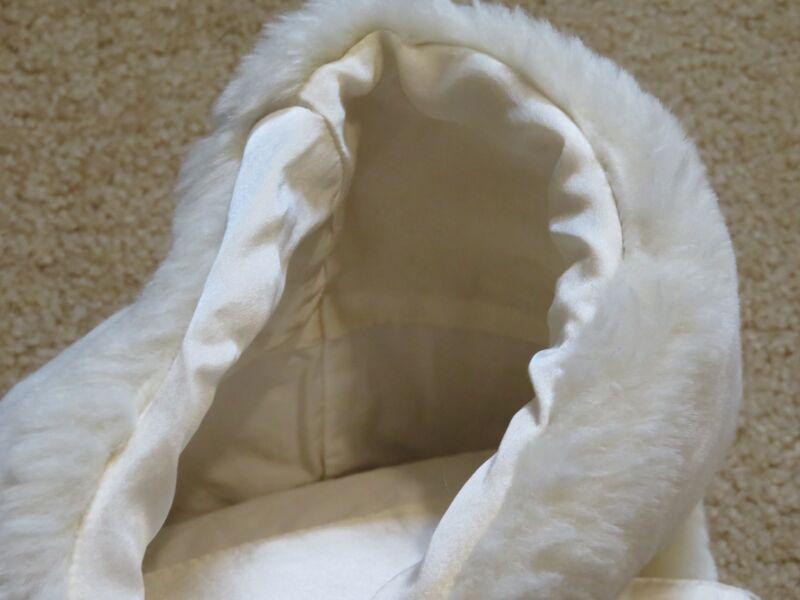 Pottery Barn Christmas White Faux Fur Wine Bottle Holder Gift Bag + Wine Charm 4