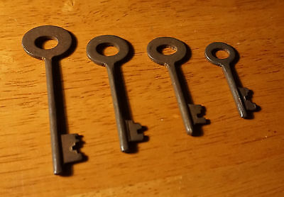 Set of 7 Rustic Cast Iron 19th Century Style Cabinet Skeleton Keys Rusted Finish 8