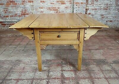 19th century French Farmhouse Pine Drop Leaf Dining Table 8