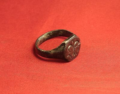 Big Medieval Bronze Knight's Seal Ring - 14. Century - Lily Sign! 6