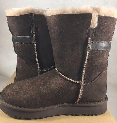 50322240d01 UGG AUSTRALIA NASH Classic Short Chocolate Suede Sheepskin Boots 6 Women  1013491