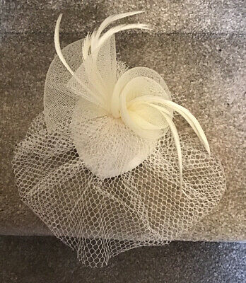Small Cream Fascinator Ideal For Races, Wedding, Etc Pre-owned 3