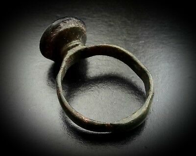 ANCIENT SASSANIAN LARGE BRONZE RING WITH STONE PORTRAIT INTAGLIO 4th-5th A.D. 6