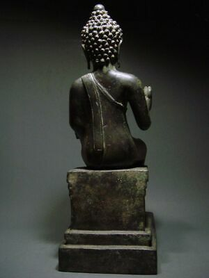 ENTHRONED BRONZE MON DVARAVATI BUDDHA 'EUROPEAN STYLE'. BURMA INFLUENCE 17/18thC 6