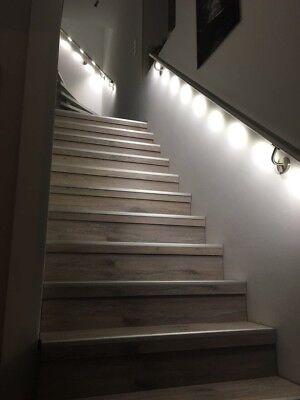 handlauf edelstahl mit integrierter beleuchtung wohn design. Black Bedroom Furniture Sets. Home Design Ideas