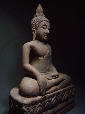 A SANDSTONE FIGURE OF A SEATED STONE BUDDHA. AYUTTHAYA PERIOD 16/17th C. 10
