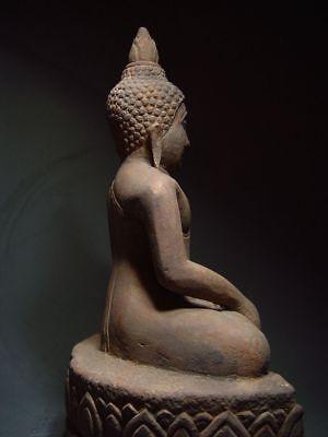A SANDSTONE FIGURE OF A SEATED STONE BUDDHA. AYUTTHAYA PERIOD 16/17th C. 8