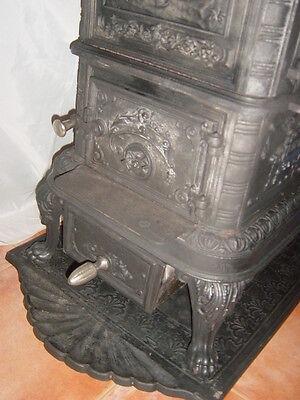 Estufa de hierro De Dietrich & C. Niederbronn Francia año 1900