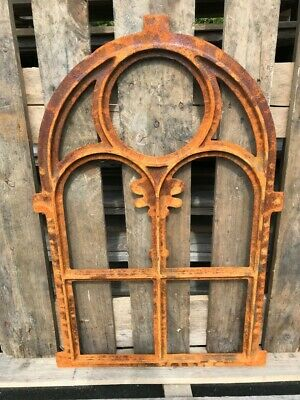 Stallfenster Gussfenster Scheunenfenster rostig antik ländlich H.76cm B.50cm 3