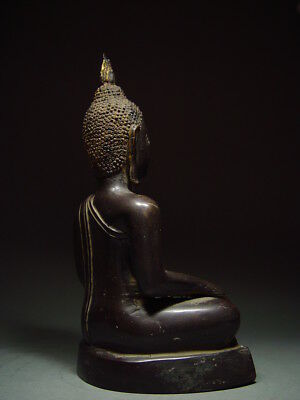 BLACK BRONZE MEDITATING CHIENGSAEN BUDDHA. ISAAN TEMPLE RELIC. NORTH THAI 19th C 7