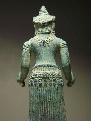KHMER BRONZE FEMALE DEITY FIGURE, ANGKOR WAT 'BAYON' STYLE, CAMBODIA 17th C. 6