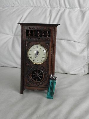 STUNNING ANTIQUE MINIATURE wood MANTLE CLOCK vintage retro uhr 2