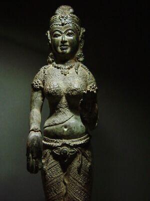 ANTIQUE BRONZE KHMER CELESTIAL HINDU GODDESS, PALA INFLUENCE. 19/20th C. 3