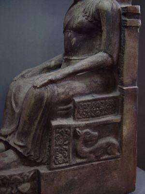 ENTHRONED BUDDHA 'EUROPEAN STYLE' SANDSTONE STONE. MON DVARAVATI PERIOD 11/12thC 5