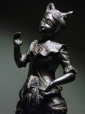 ANTIQUE INDONESIA WOOD-CARVED BALINESE TEMPLE DANCE FIGURE. CIRCA: LATE 19th C. 3