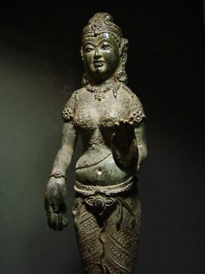ANTIQUE BRONZE KHMER CELESTIAL HINDU GODDESS, PALA INFLUENCE. 19/20th C. 9