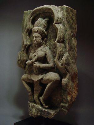 KHMER SANDSTONE TEMPLE GODDESS 'APSARA', RELIEF FRAGMENT. ANGKOR THOM 13th C