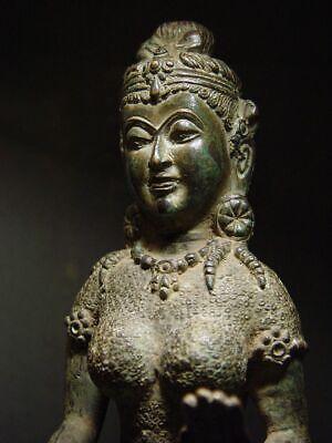 ANTIQUE BRONZE KHMER CELESTIAL HINDU GODDESS, PALA INFLUENCE. 19/20th C. 10