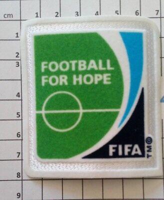 Coupe du Monde 2014 Brésil Patch Badge FIFA + Football for Hope Allemagne France 3