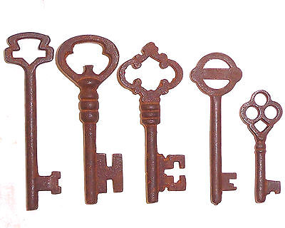 3Antique Iron Skeleton Keys Lot of 25 Steampunk 2