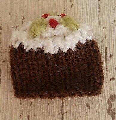 Christmas Knitting Patterns For Ferrero Rocher.Christmas Pudding Ferrero Rocher Cover Cosy Table Gift Knitting Pattern
