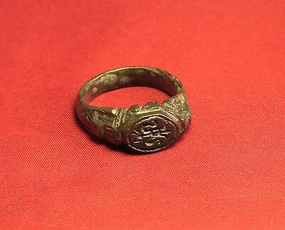 Big Medieval Bronze Knight's Seal Ring - 14. Century - Lily Sign! III. 4