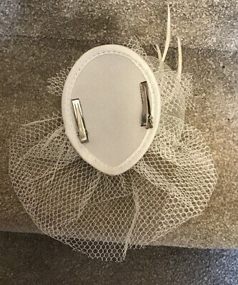 Small Cream Fascinator Ideal For Races, Wedding, Etc Pre-owned 4