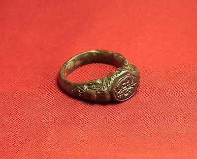 Big Medieval Bronze Knight's Seal Ring - 14. Century - Lily Sign! III. 5