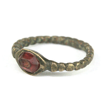 Indo-Greek silver ring with garnet bezel. x9023 3