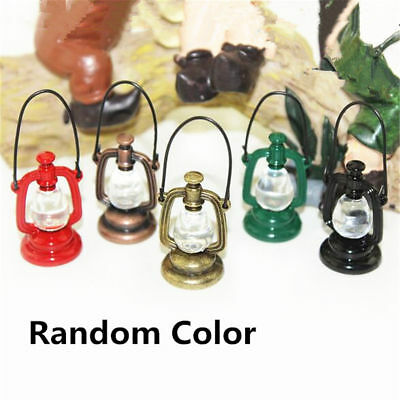 2pcs Retro Oil Lamp Room Dollhouse Miniature Model House Home Xmas Random Gift 2