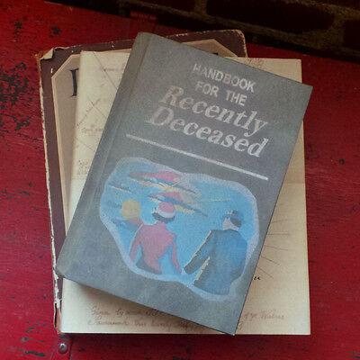 BEETLEJUICE HANDBOOK FOR THE RECENTLY DECEASED PROP 1:1 movie book replica 2