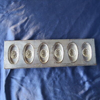 Anton Reiche Schokoladenform 5 Stück Nuss Form gestempelt Dresden  No 23253