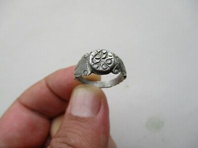 ancient late Roman silver nicely carved ring 9