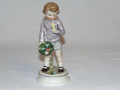 VINTAGE W GERMAN HUMMEL RARE GOEBEL BEARER OF GIFTS BOY FIGURINE in ORIGINAL BOX