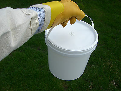 6 X Beekeepers 1 Gallon (5L) CONTACT  BUCKET FEEDERS 5