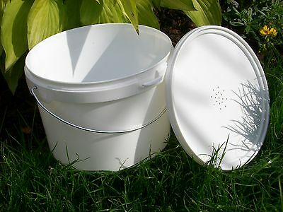6 X Beekeepers 1 Gallon (5L) CONTACT  BUCKET FEEDERS 4