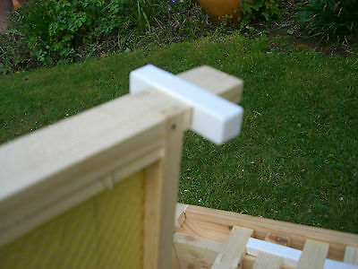 200 Wide beehive plastic frame ends / spacers 3