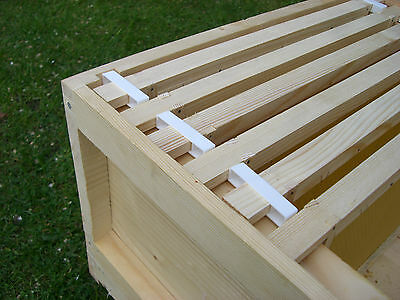 200 Wide beehive plastic frame ends / spacers 4