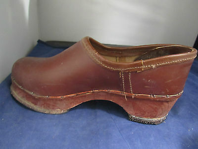 1c3c3e88958a8 PAIR OF VINTAGE Dutch Holland Wooden Clogs Shoes Hand Carved Antique