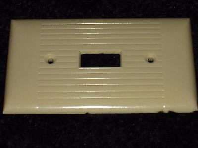 Vintage Mid Century BAKELITE Heavy Duty Single Light Switch Plate Cover Lines 3