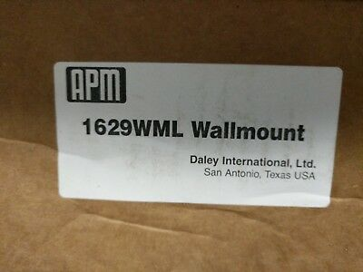 Wall mount assembly Daley APM Chemical Dilution delivery station Left handle
