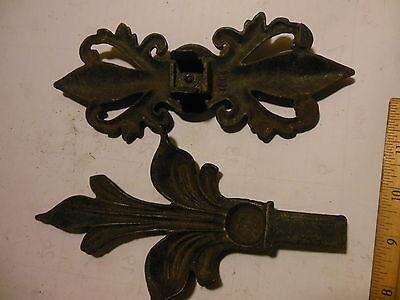Antique Hardware Art Nouveau Cast Iron Ornate Curtain Rod End Finial Center Part 11