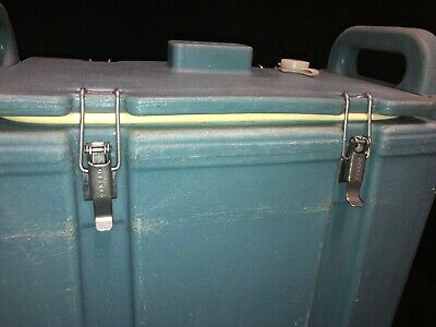 Cambro Blue Insulated Soup/Beverage Carrier 350LCD 3.3/8 Gallon Capacity. #1T 3