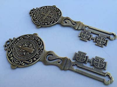 """Large Sculpted Silver Tone  St .Benedict Key Religious Medal 5/""""//SAN BENITO LLAVE"""