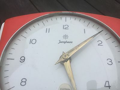 junghans 1950s or 60s  red kitchen clock with timer. 2