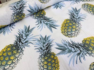 Tropical Toucan Oiseau ananas 100/% Coton Tissu Matériau Par Demi Mètre