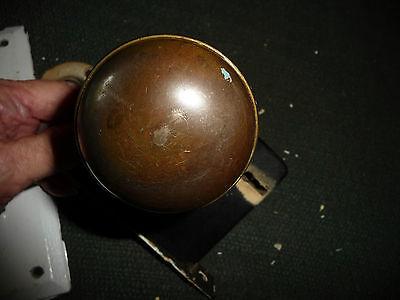 #56J antique vtg 1 metal door knob & 1 white porcelain w back plate & lock 4